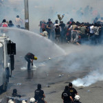 Polis Gezi Parkı'na girdi