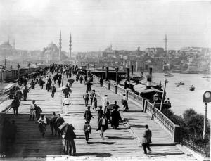 Galata_Bridge,_Istanbul_(Constantinople)