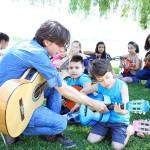 Göl Kenarında Gitar Kursuna Büyük İlgi